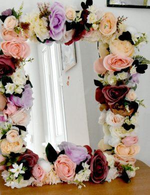 Oglinda lucrata cu flori de matase FEIS001