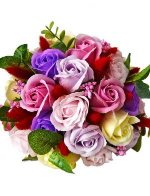 Buchet flori de sapun si accesorii FEIS011