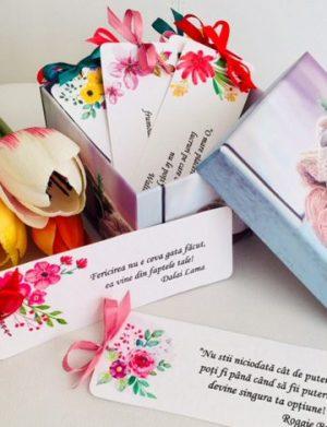 12 Motive, mesaje sub forma semnelor de carte, din lemn, diverse modele pentru cutii, cadou cadre didactice, multicolor