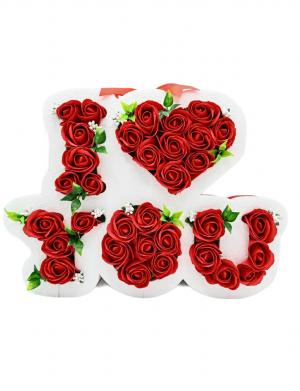 Aranjament cu flori de sapun cu stamine albe ARBC001