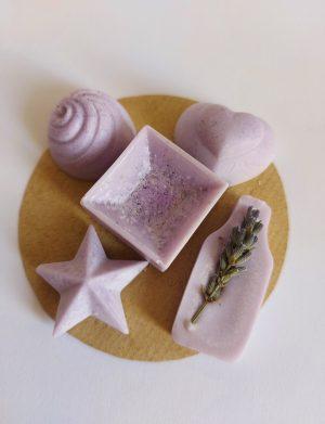 Marturii capsule din ceara de soia si ulei esential de lavanda (lila/mov), AMB162