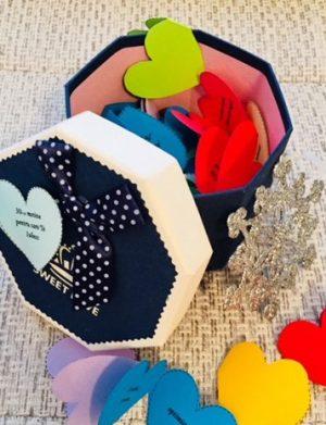 30 Motive Te Iubesc, mesaje-inimioara, diverse modele, cadou iubit(a), multicolor