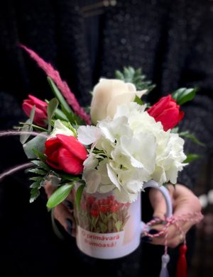 Aranjament floral in cana cu mesaj MFB1025