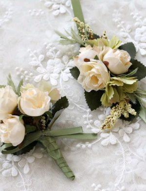 Bratari si Flori de pus in piept