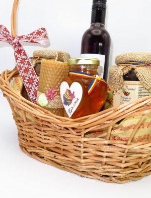 Cos cadou traditional Paste, Vinerea Mare, 6 piese, produse naturale, ILIF144