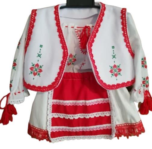 Costumas traditional de botez pentru fetita 23h Events 11 removebg preview