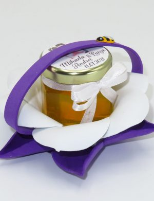 "Marturii dulci cu miere, model handmade ""Zumzet dulceâ€� – mov, borcan 50 gr – DSBC1689"