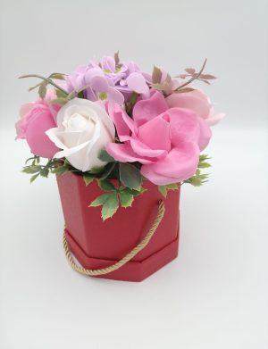 Aranjament cu 9 flori de sapun