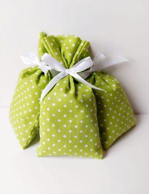 Marturie saculet de lavanda, culoare verde cu bulinute si fundita alba, AMB26032
