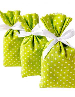 Mărturie săculeț de lavanda, culoare verde cu bulinute și fundiță alba, AMB26032