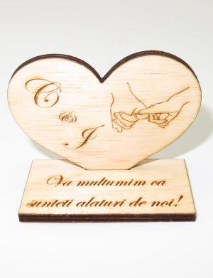 Marturie personalizata de nunta, inima cu suport, din lemn, maro, (mostra) – SOMIS1816