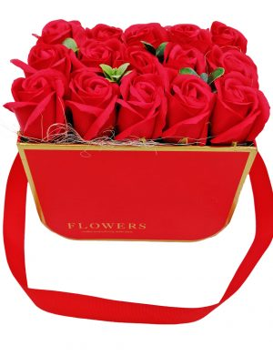 Aranjament Simply Red, trandafiri de sapun rosii in cutie rosie, DSPH10211