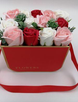 Aranjament cadou Roses, trandafiri de sapun rosii, roz si albi, cutie rosie, DSPH1029