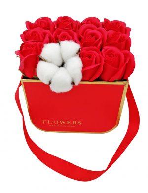 Aranjament Little Red Roses, trandafiri de sapun, rosii, floare de bumbac, in cutie rosie, DSPH1022