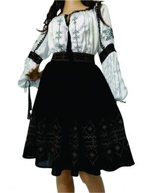 Set imbracaminte traditionala format din ie, cu fusta neagraLLDJ01201