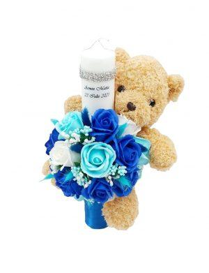 Lumanare botez cu jucarie Ursulet si ornata cu trandafiri de sapun – ARBC191