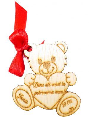Marturie ursulet 2, din lemn, personalizata, maro cu funda rosie, OMIS1812