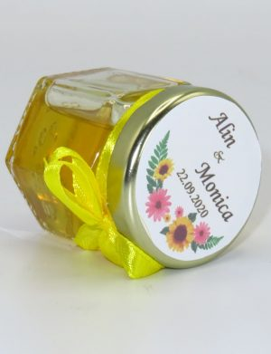 "Marturii dulci cu miere, model handmade ""Iubireâ€� – galben, borcan 50 gr – DSBC1654"