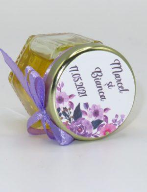 """Marturii dulci cu miere, model handmade """"Iubireâ€� – lila, borcan 50 gr – DSBC1658"""