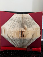 Carte sculptata personalizata cu mesajul dorit-1/2 cuvinte, dimensiuni 20×13 cm – OMIS01207