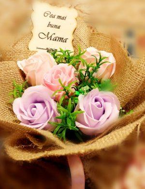 Buchet din flori de sapun in iuta – OMIS01256