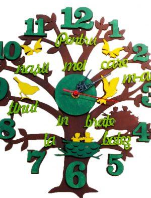 Ceas din lemn Pentru Nasii care m-au tinut in brate la botez, diametru 30 cm, grosime 4 mm – OMIS201