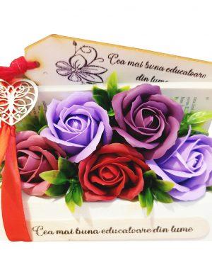 Flori de sapun in carte, cu semn de carte si mesaj personalizabil – OMIS01269