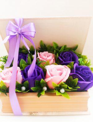 Flori de sapun in cutie tip carte – OMIS01270