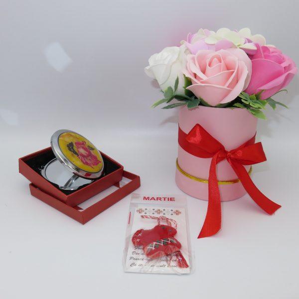 Set cadou cu oglinda martisor ie din fetru si aranjament trandafiri sapun 23h Events 2