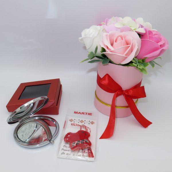 Set cadou cu oglinda martisor ie din fetru si aranjament trandafiri sapun 23h Events 4