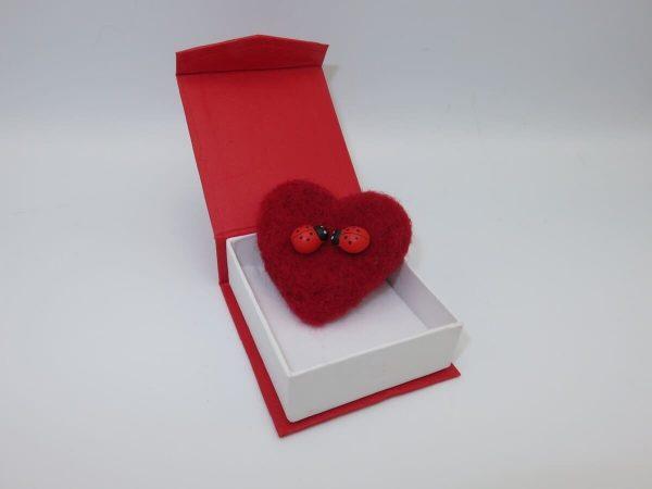 Set cadou pentru ea 3 piese ghiveci cu flori de sapun lumanare cu petale de lavanda si brosa realizata manual in Romania ILIF10105 2