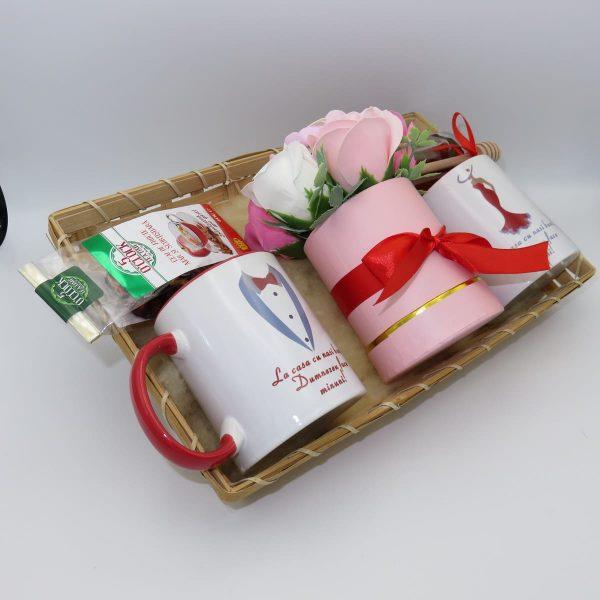Set tavita cadou nasi 6 piese 2 cani cu mesaj aranjament trandafiri sapun ILIF10101 2