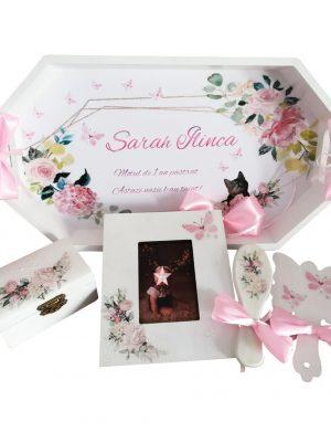 Set mot cu flori si fluturasi, 7 piese, personalizat, din lemn, cu fundite roz si ornamente multicolore DSPH001