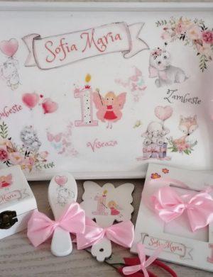 Set mot Zana Ursitoare, 7 piese, personalizat, din lemn, cu fundite roz, ornamente multicolore DSPH011