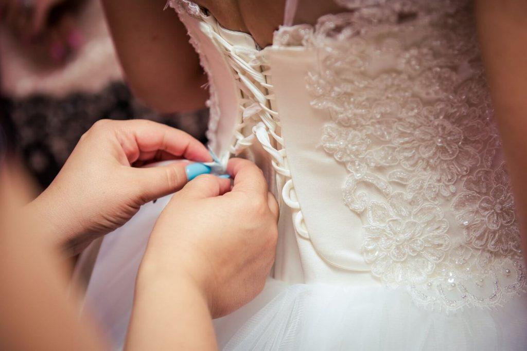 Sfaturi pentru a pastra rochia de mireasa impecabila 3