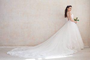 Read more about the article Sa fie oare o rochie de mireasa cu trena?