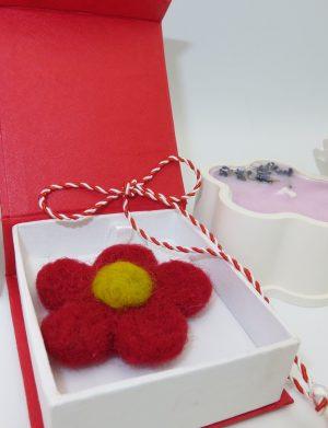 Set cadou cu brosa realizata manual din lana, ILIF1218